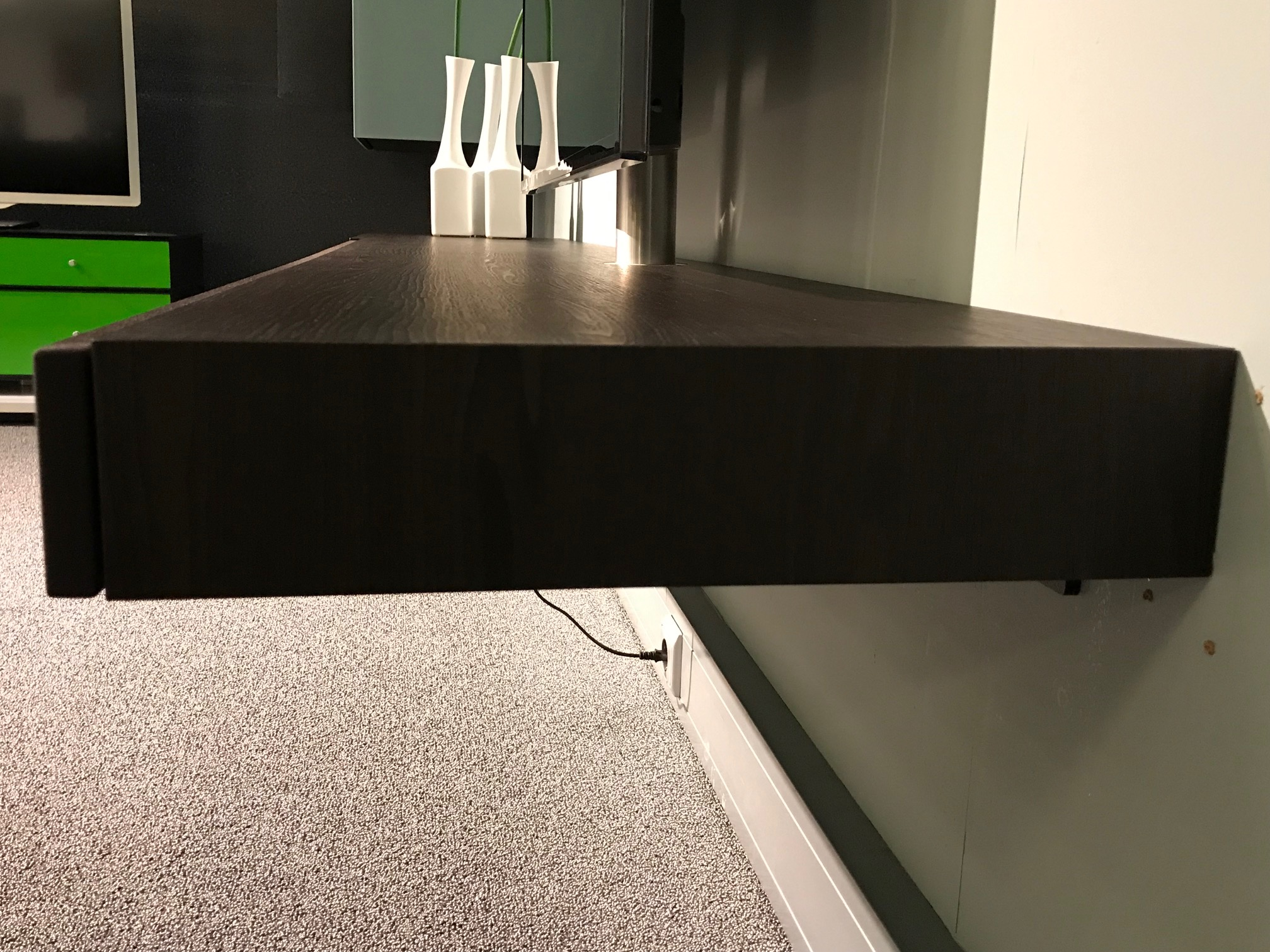 Spectral lowboard | Tv meubel incl. XTA1 soundsysteem | Indian Wallnut